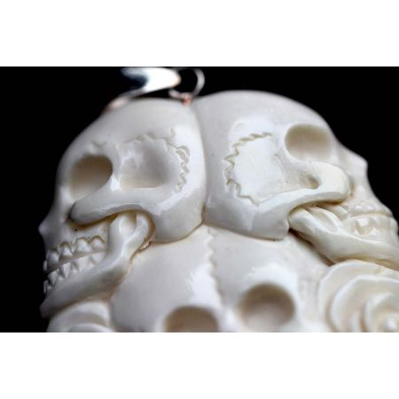 Knochenschädel-Anhänger