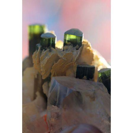 Elbait Turmalin - Stufe mit Clevelandit + Transmitterkristall