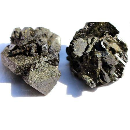 Epidot mit Magnetit-Paar, Dragonstones